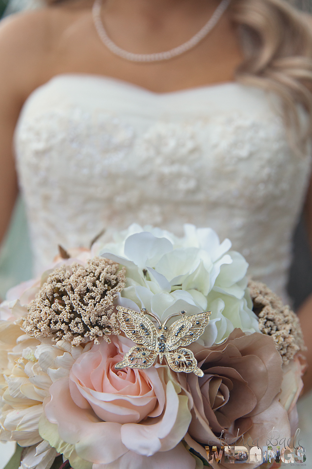 weddings blog memento hidden in bridal bouquet